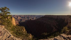 Docka som skjutas av morgonljus i Grand Canyon arkivfilmer