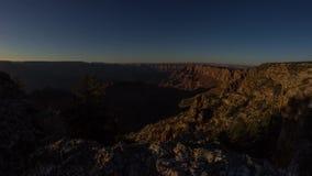 Docka som skjutas av solnedgångljus i Grand Canyon stock video