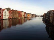 Dockhouses de rivière de Trondheim Photo libre de droits