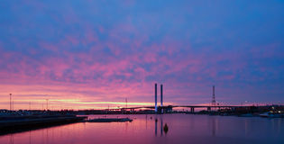 Dockland στο ηλιοβασίλεμα Στοκ Εικόνες