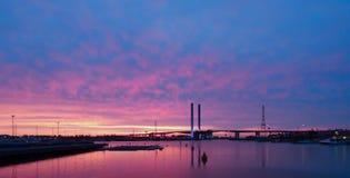 Dockland bei Sonnenuntergang Stockbilder