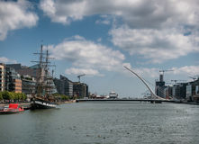 Docklands στον ποταμό Liffey στο Δουβλίνο Στοκ φωτογραφία με δικαίωμα ελεύθερης χρήσης