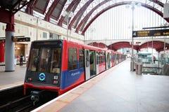 Docklands-Kleinbahn Lizenzfreies Stockfoto