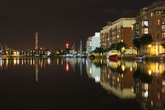 Docklands nachts - Dublin Lizenzfreie Stockfotos