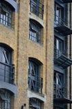 Docklandswohnungsumbau im Porträt Stockbilder