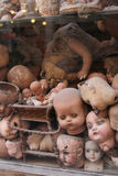 Dockor på en skärm i rome, Italien Arkivfoton