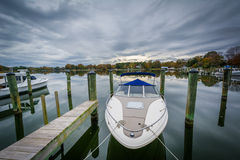 Docks and boats at Oak Creek Landing, in Newcomb, near St. Micha Royalty Free Stock Photo