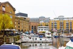Docks de St Katharine à Londres Image libre de droits