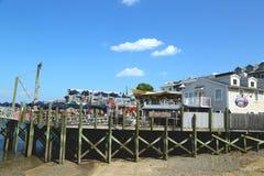 Docksidehummerrestaurant im historischen Bar-Hafen Stockfotos