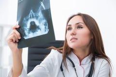 Docteur au travail Photo stock