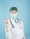 Docteur avec la seringue Photographie stock