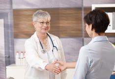 Docteur avec le patient Image stock