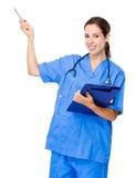 Docteur avec le presse-papiers et la plume  Images stock