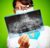 Docteur avec le rayon X Photographie stock