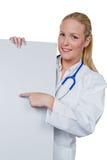 Docteur avec le stéthoscope et l'écran protecteur photographie stock