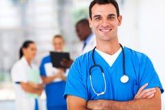 Docteur dans l'hôpital photo stock