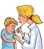 Docteur de bande dessinée donnant à enfant une vaccination Photos libres de droits