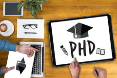 Docteur de doctorat d'obtention du diplôme d'éducation de degré de philosophie image libre de droits