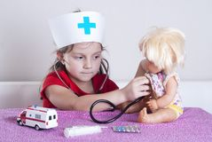 Docteur de petite fille photo libre de droits