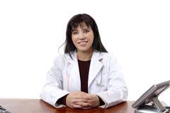 Docteur de sourire sûr photo libre de droits