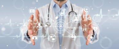 Docteur employant le rendu futuriste médical numérique de l'interface 3D Photos libres de droits