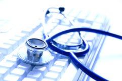 Docteur en ligne Photo stock