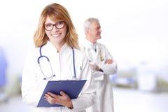 Docteur féminin confiant Photographie stock libre de droits