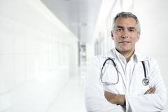 Docteur gris d'aîné d'expertise de cheveu photos libres de droits