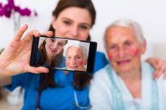 Docteur - selfie patient photographie stock libre de droits