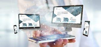 Docteur tenant des dispositifs reliés à un rendu du réseau 3d d'affaires globales photos stock