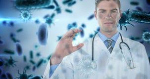 Docteur tenant l'objet invisible contre les cellules 4k de bactéries banque de vidéos