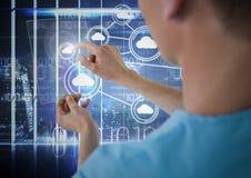 Docteur touchant l'icône digitalement produite image stock
