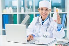Doctor�s recept Arkivbild