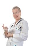 Doctor adulto sonriente Imágenes de archivo libres de regalías