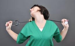 Doctor atractivo de la señora Fotos de archivo libres de regalías