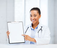 Doctor with blank prescription Royalty Free Stock Photos