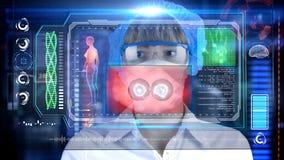 Doctor con la tableta futurista de la pantalla del hud División de célula Concepto médico del futuro Imagen de archivo