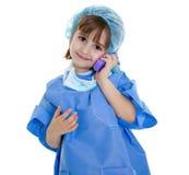 Doctor con llamada de teléfono móvil fotos de archivo libres de regalías