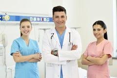 Doctor con su equipo Imagen de archivo