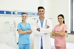 Doctor con su equipo Foto de archivo