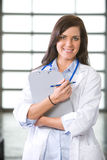 Doctor de la mujer en una oficina moderna Fotografía de archivo libre de regalías