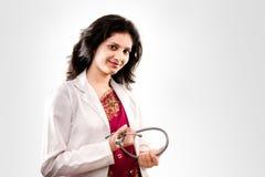 Doctor de sexo femenino hermoso indio Imagen de archivo libre de regalías