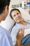 doctor each other patient talking to στοκ εικόνα με δικαίωμα ελεύθερης χρήσης