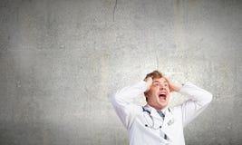 Doctor enojado Fotos de archivo libres de regalías