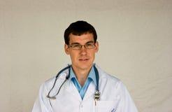 Doctor joven Imagenes de archivo