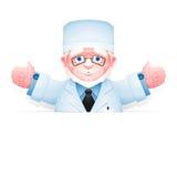 Doctor mayor amistoso con los brazos abiertos de par en par Fotos de archivo libres de regalías