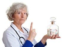 Doctor mayor que sacude el dedo Fotografía de archivo