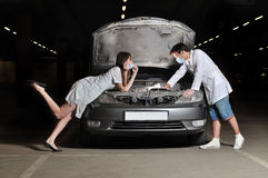 The doctor and nurses repair the car Stock Photography