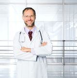 Doctor over clinic  background Royalty Free Stock Photos