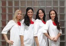 Doctores de sexo femenino Fotos de archivo libres de regalías